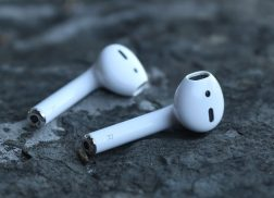 cài đặt tai nghe không dây Airpods