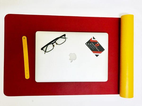 Tấm lót bàn văn phòng bằng da 2 mặt màu đỏ vàng